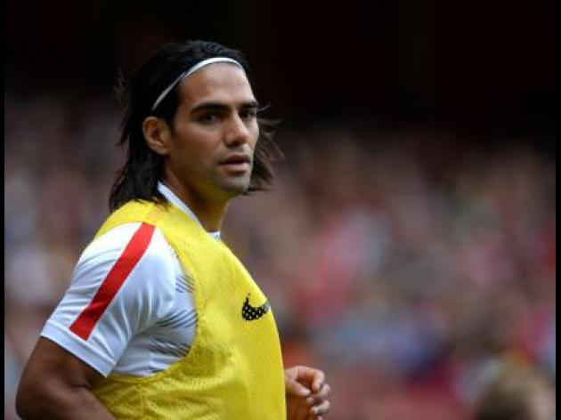 Falcao leads Europe transfer frenzy