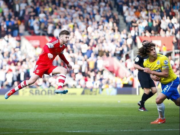 Saints trio impress in Magpies rout