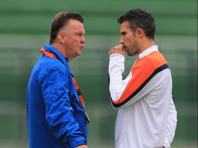 Van Persie doubtful for Dutch clash against Argentina
