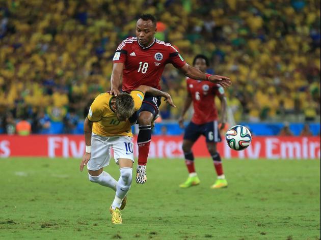 Stars support Neymar after injury