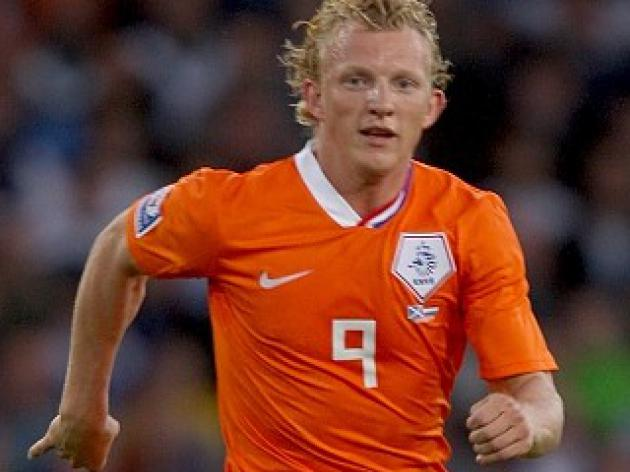 Kuyt accuses referee Webb of bias
