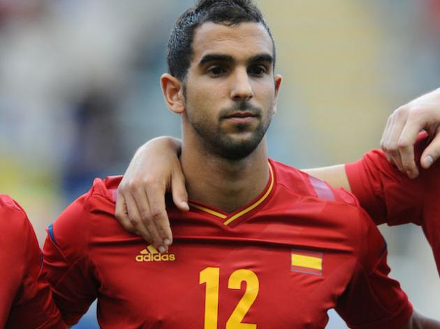 Are Liverpool preparing pre-contact offer for Barcelona defender Montoya?