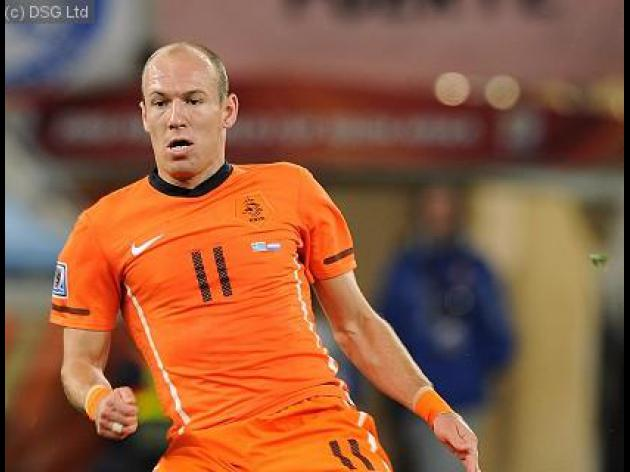 Robben slams Webb