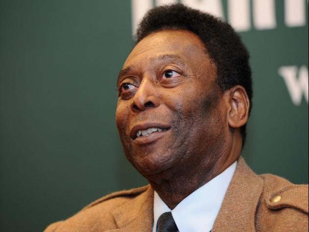 Pele opens museum highlighting career