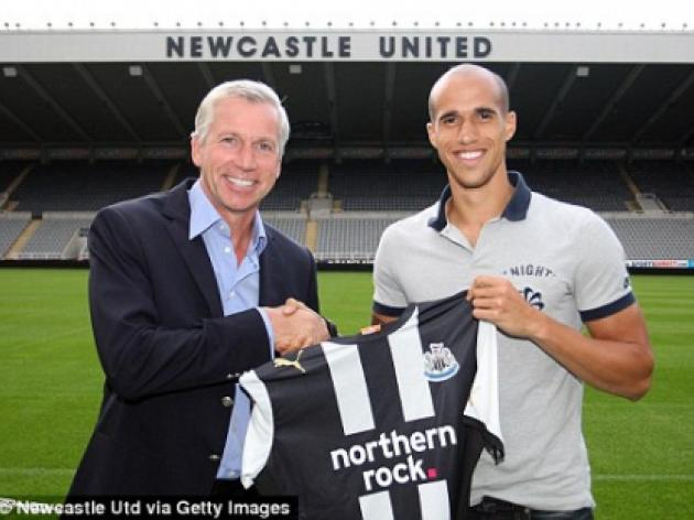 Gabriel Obertan completes Newcastle move from Manchester United