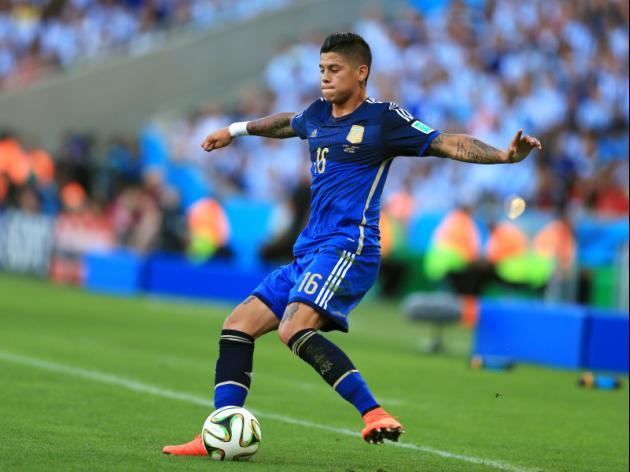 Man United new recruit Rojo receives visa