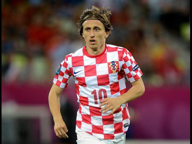 Spurs to sell Modric to Real Madrid