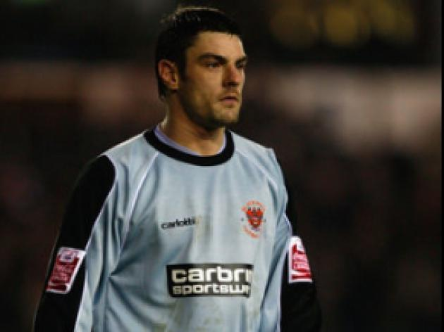 Gilks poised for Seasiders recall