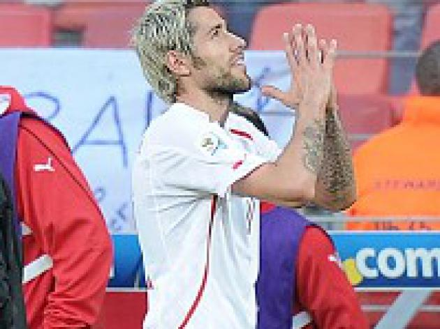 Behrami rages at Vidal