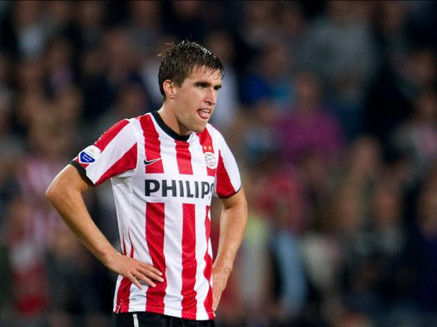 Manchester United And Arsenal Battle It Out For Strootman