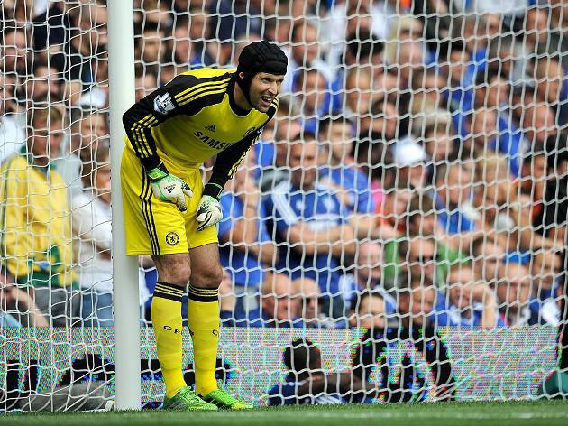 Cech backs controversial call
