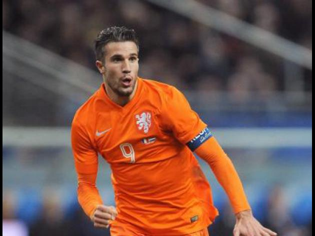 Van Persie still up for the World cup despite groin injury