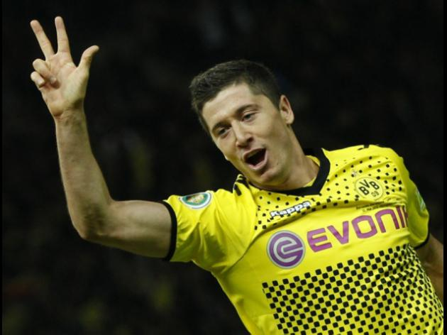 Jose Mourinho wants Robert Lewandowski to join him at Chelsea