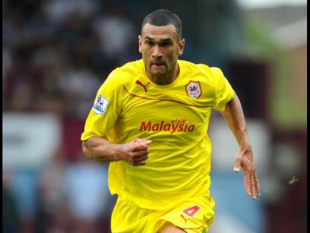 Caulker joins up with England squad