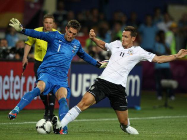 Klose deserves Germany record, says Mueller