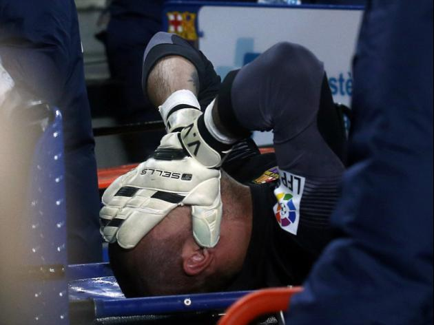 Knee injury rules Valdes out of World Cup