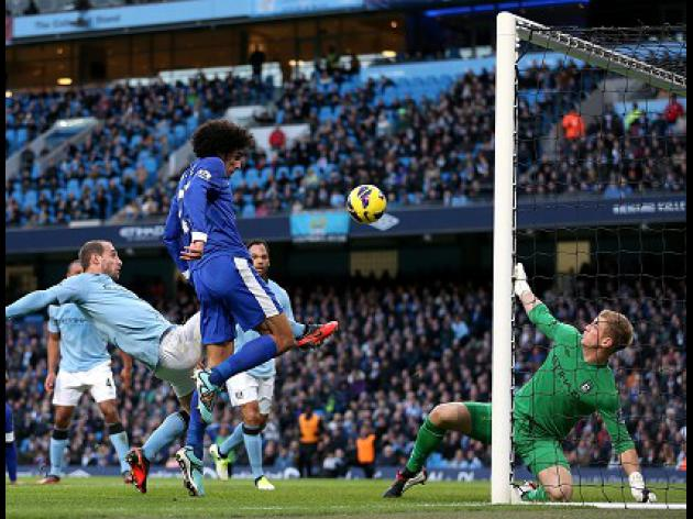 Fellaini on target for Everton in City draw
