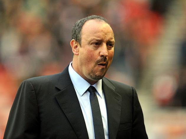 Benitez won't rule out Reds return