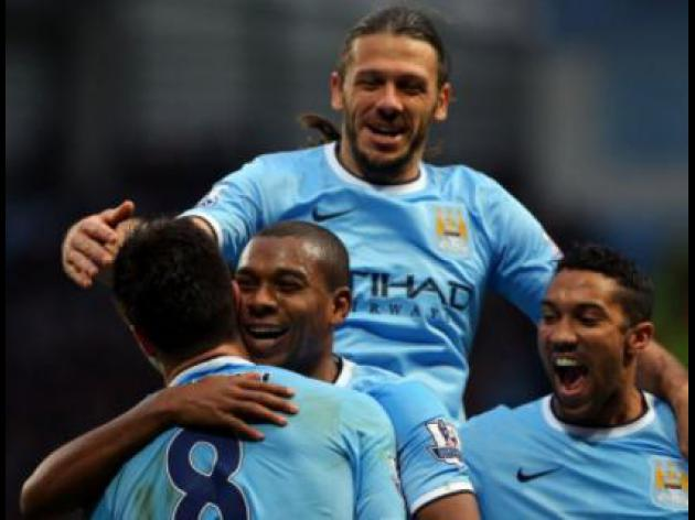 Man City V Chelsea at Etihad Stadium : LIVE