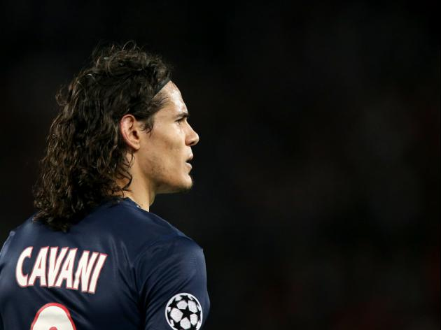Manchester United target Edinson Cavani busy playing games