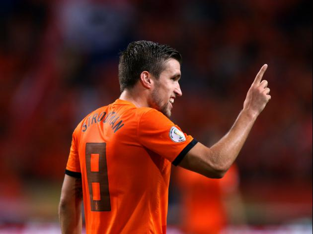 Boost for United as agent reveals just how close Strootman is to Old Trafford move