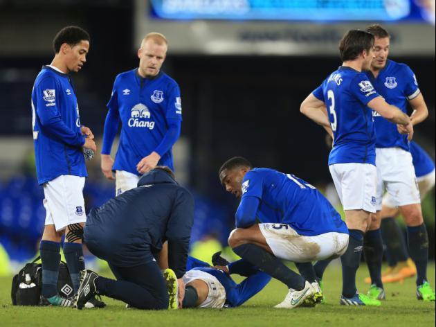 Everton wait on Mirallas injury