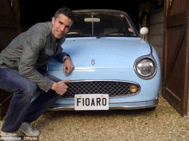 Robin Van Persie shows off his Nissan Figaro on Twitter