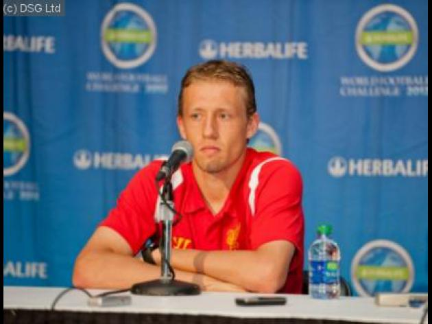 Lucas Leiva wants Leandro Damiao at Liverpool