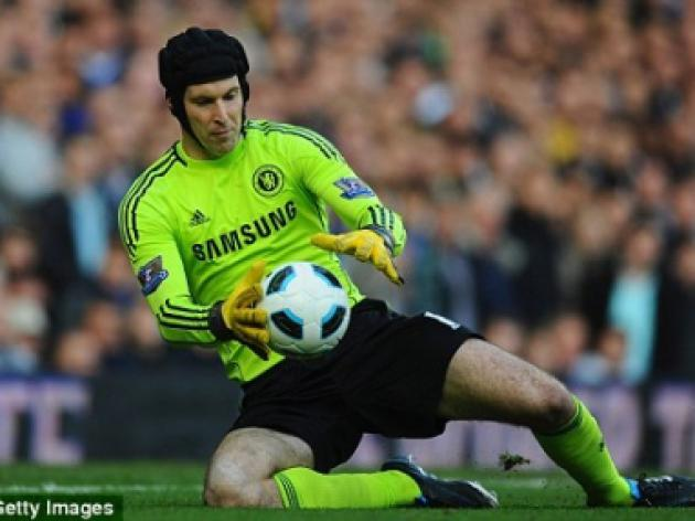 Petr Cech Chelsea future in doubt, says Thibaut Courtois