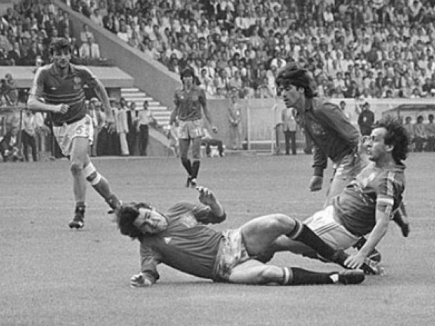 Top 10: European Championship goals - 9 - Platini vs Portugal - 1984