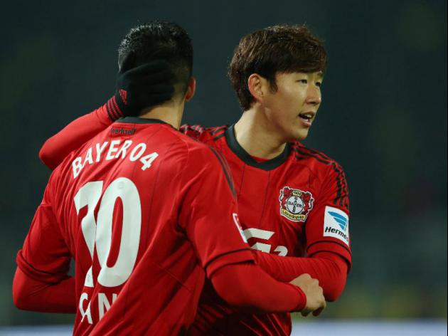 Leverkusen back into Champions League spots