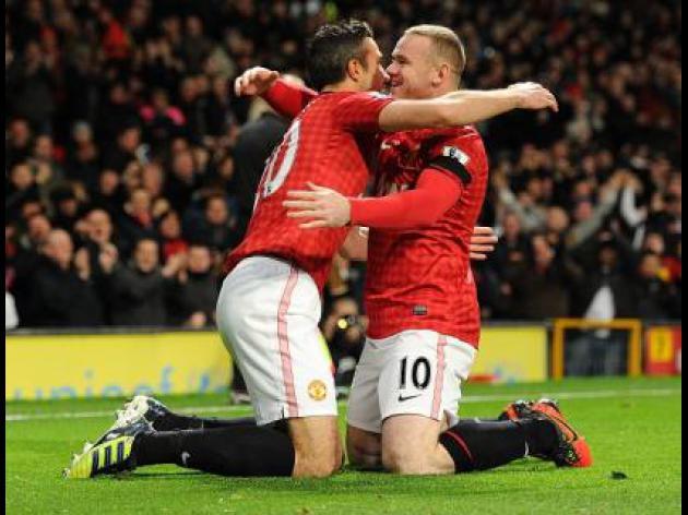 Van Persie wants Rooney to stay