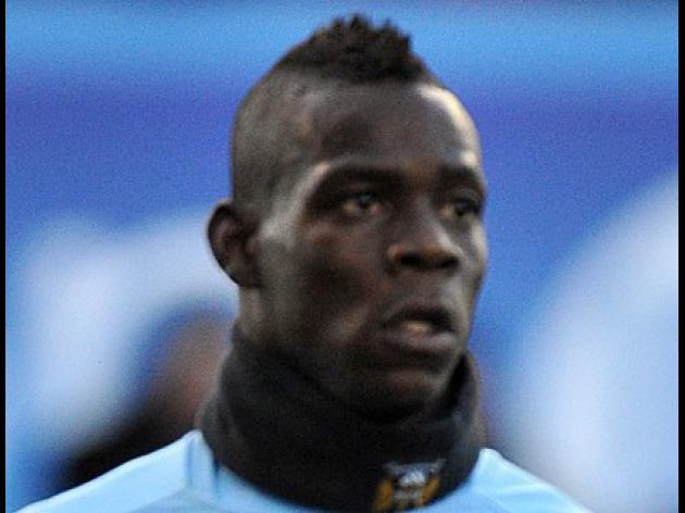 Balotelli picks up award