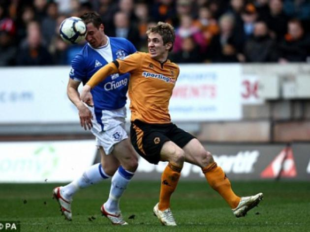 Wolves 0 Everton 0: Hahnemann dives in to keep McCarthy's men on the up