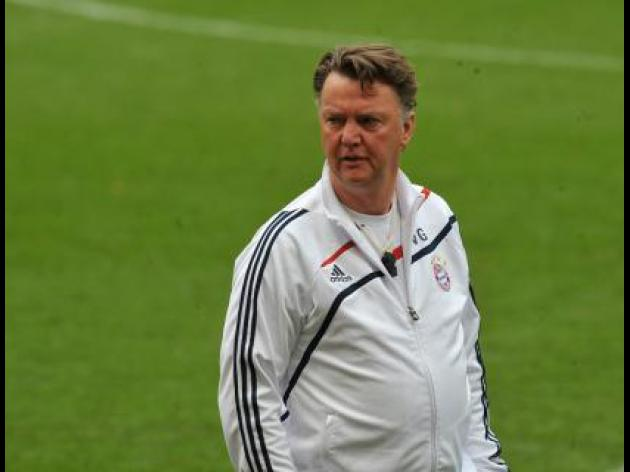 Van Gaal refuses to discuss United during Netherlands press conference