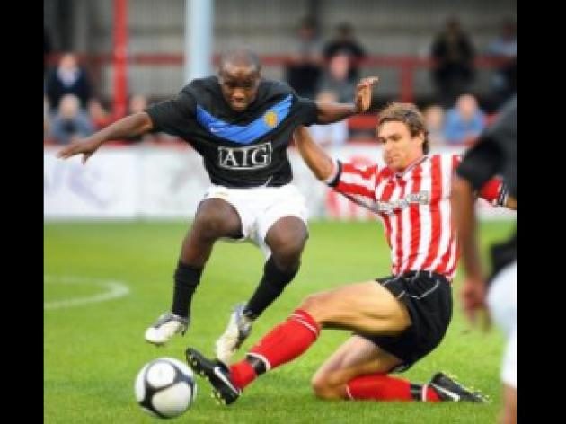 Altrincham 0 United Res 2
