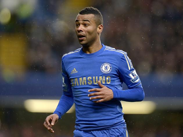 Chelsea's Injured Ashley Cole facing two weeks on sidelines