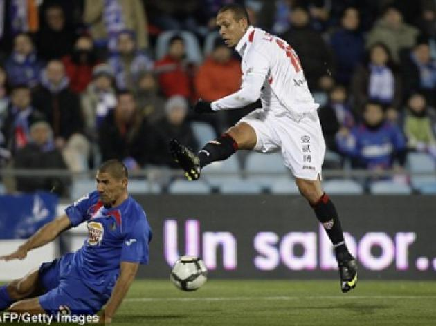 Come and get me: 15m Luis Fabiano puts Man City and Chelsea on red alert