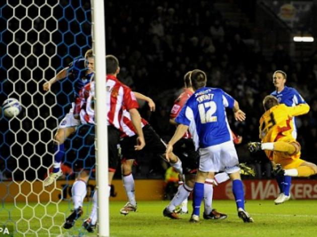 Leicester 2 Sheffield Utd 1: Morrison and Fryatt fire City back into play-offs