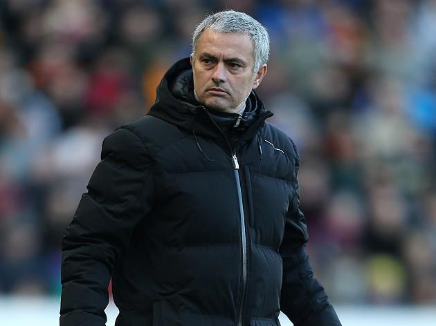 Mourinho undergoes elbow surgery