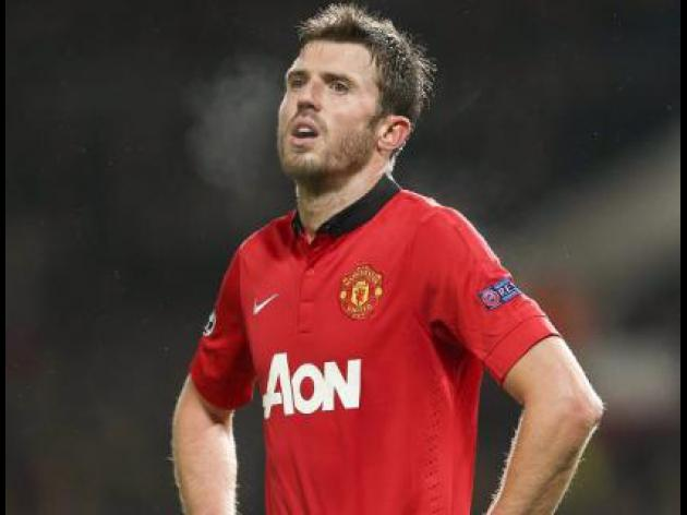 Carrick extends United contract
