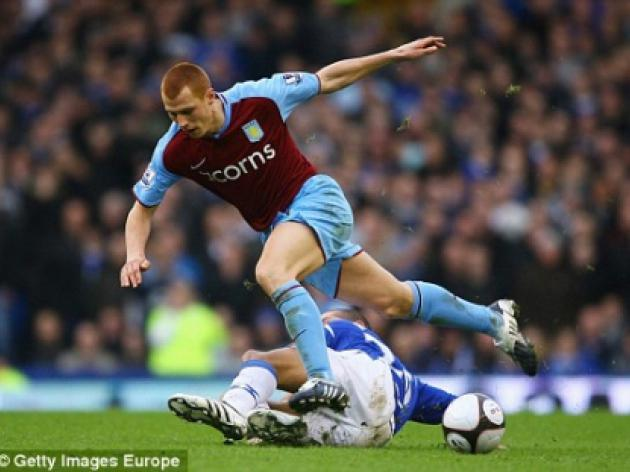 Steve Sidwell joins Wolves on loan from Aston Villa after West Ham move collapses
