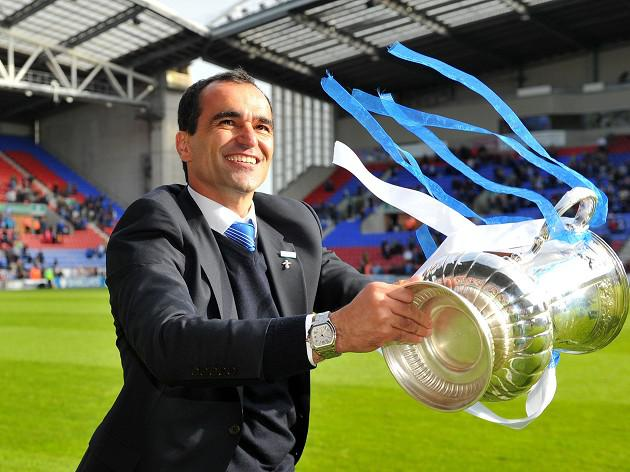 Gary Caldwell urges Roberto Martinez to stay on at Wigan