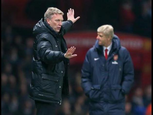 Moyes hails improving United