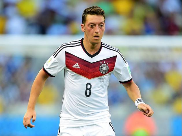 Germany edge past Algeria