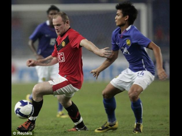Malaysia XI 0 Manchester United 2: Ferguson defends hot-head Rooney