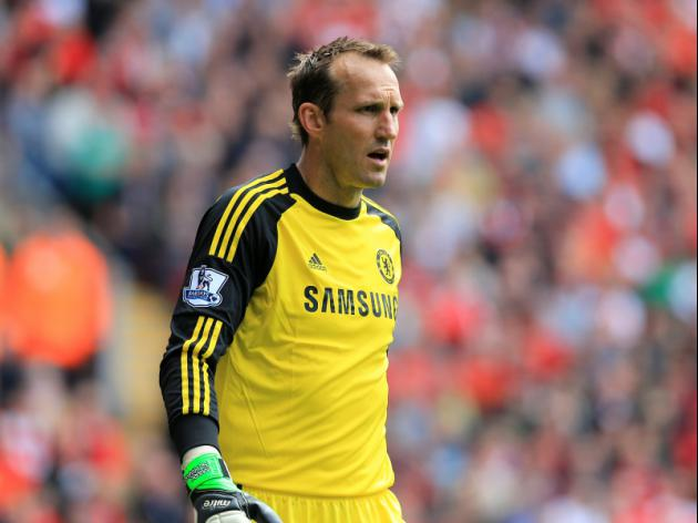 Schwarzer signs new Chelsea deal