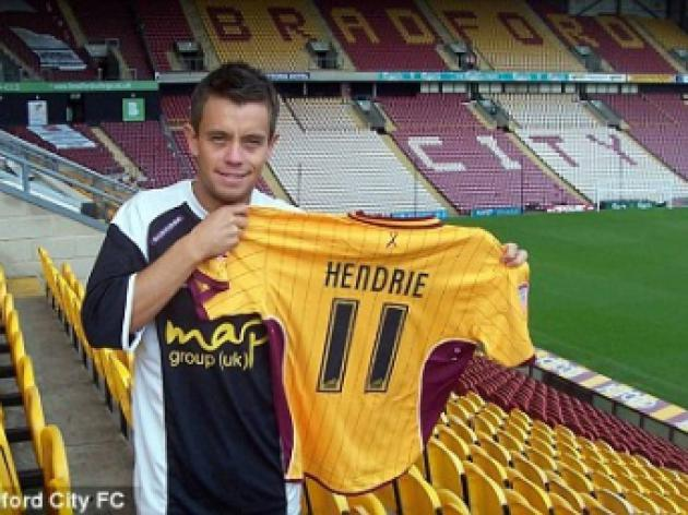 Bradford City secure deal for former England Under 21 midfielder Lee Hendrie