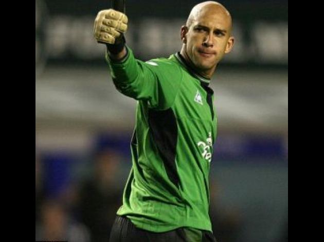 Wolves v EVERTON: David Moyes to make late call on Tim Howard