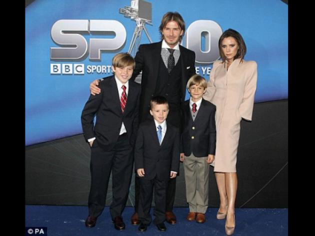 David Beckham's Lifetime Achievement Award! He's just a little boy among men